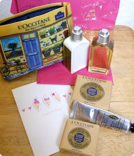 Sono un'estimatrice della Verbena e ho parecchi prodotti cosmetici che la contengono.