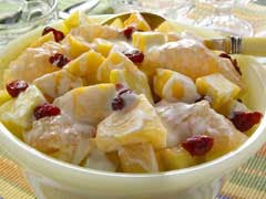 Filipino Style Fruit Salad http://kapampangankitchen.blogspot.com/2007/01/filipino-style-fruit-salad.html