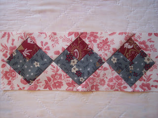 Valentine Hearts Quilt Table Runner free pattern