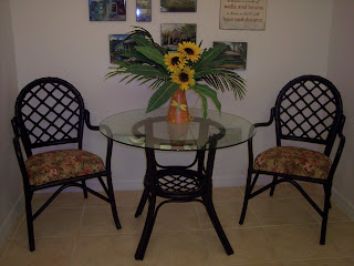Spray painting a table and chair set for small kitchen