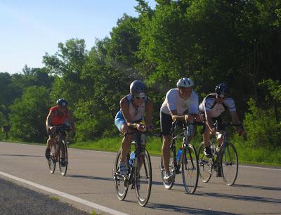 Old ladies ROCK, a bike story