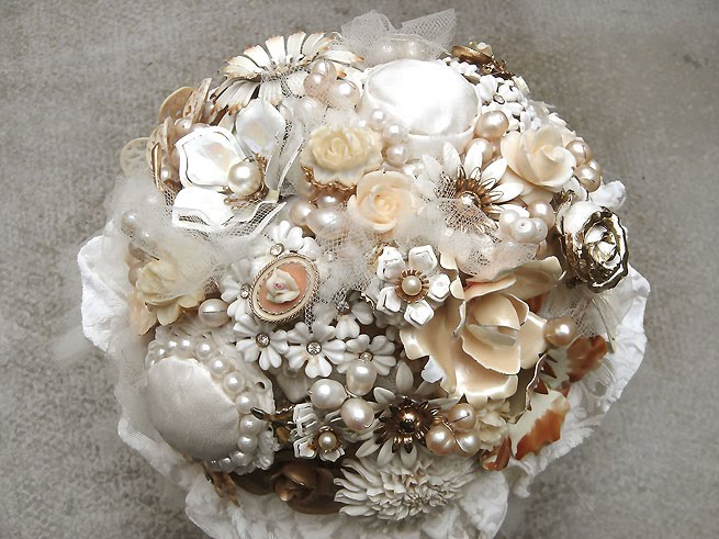 Bridal Bouquets With Vintage Brooches : Hairbowswonderworld creamy eden personalised vintage