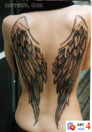 On his back, there are two angels draped over each shoulder blade. Beautiful