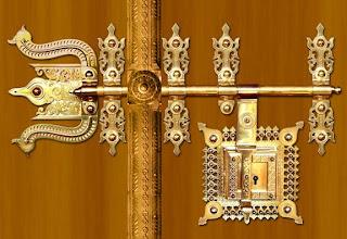 Manichithrathazhu Door Locks:The magnificent Manichithrathazhu door