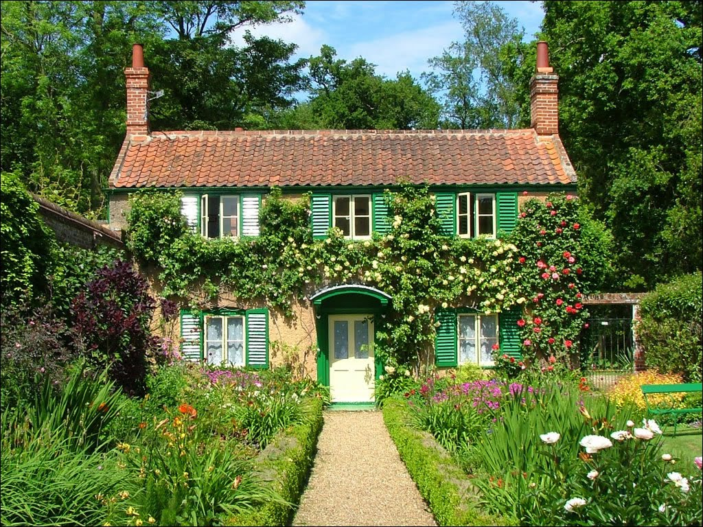 Country cottage charm all things nice for Garden houses designs