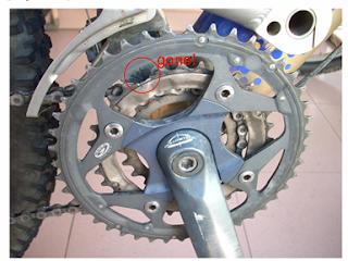 Shimano Deore LX FC-M571 Octalink crankset (with broken tooth)