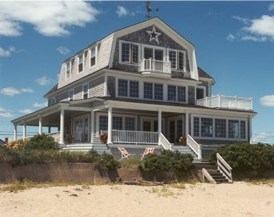 White wood nantucket style for Nantucket style homes