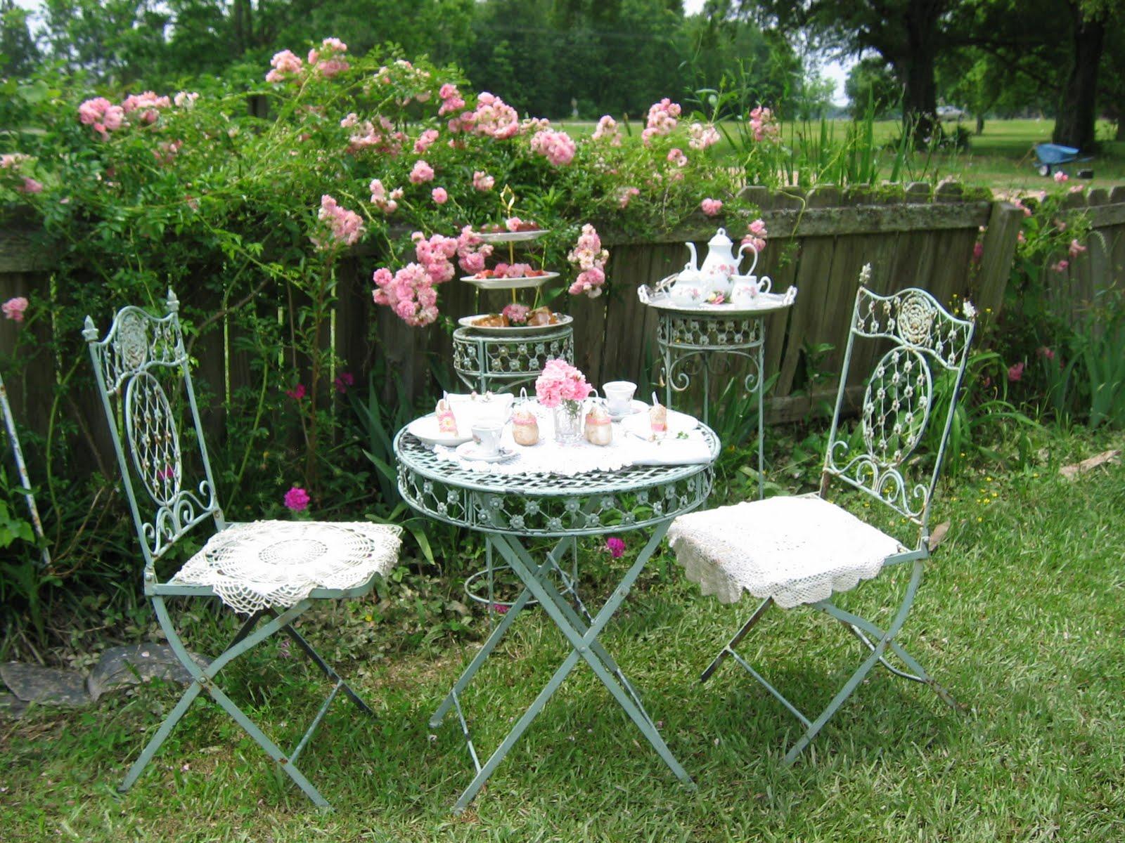 wallpaper tea gardenpetite soumiselylye. Black Bedroom Furniture Sets. Home Design Ideas
