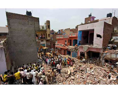 New Delhi building collapsed