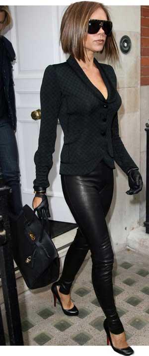 [Виктория+Бэкхем+сразу+в+двух+трендах+зимы-+кожаных+брюках+и+черном+цвете..jpg]