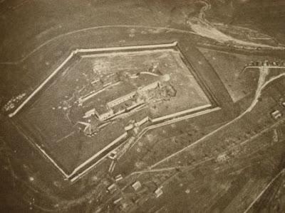 Vista aérea del fuerte en 1916