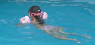 Ver%C3%A3o+2009+079 Adaptação ao meio aquático para crianças