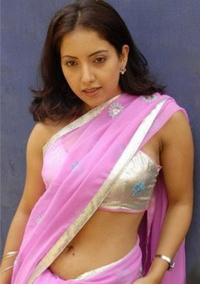 Aunty navel expose