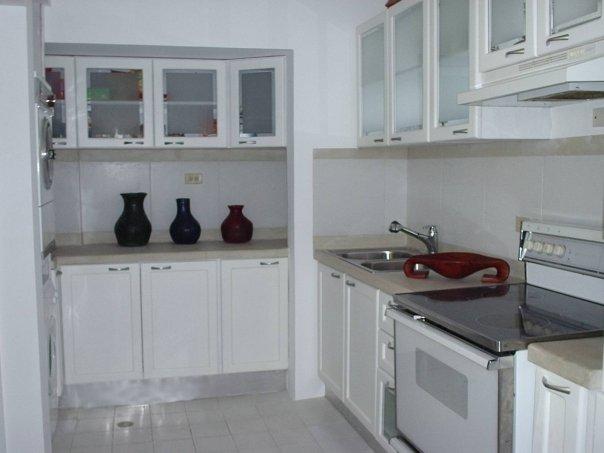 Cocinas en cemento y cerámica - Imagui