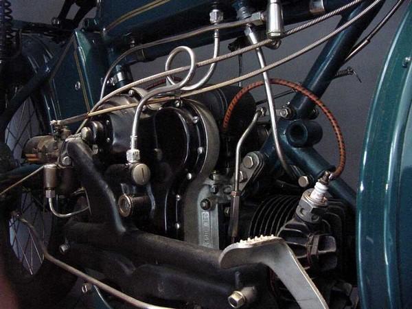 [engine2_600.jpg]