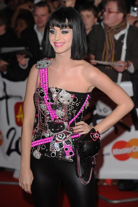 [gallery_main-0219_katy_perry_britawards_03.jpg]