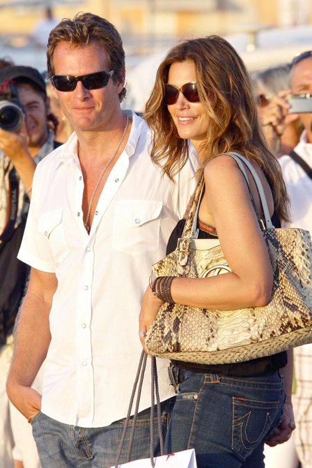 [gallery_main-20090502_cindy_crawford_husband_04.jpg]