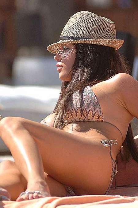 [gallery_main-0701_bianca_gascoigne_bikini_03.jpg]