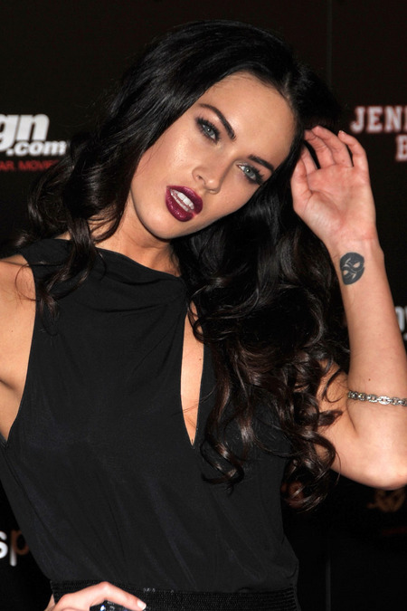 [gallery_main-0724_megan_fox_comiccon_04.jpg]