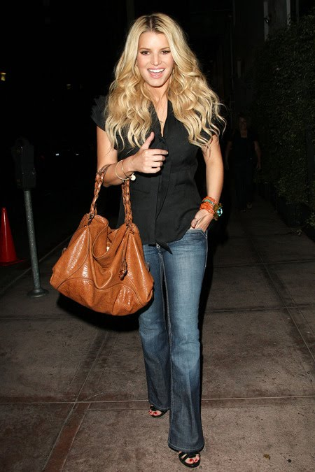 [gallery_main-0909_jessica_simpson_01.jpg]