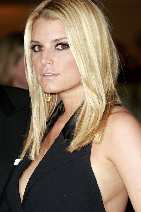 [gallery_main-1004_jessica_simpson_smile_04.jpg]