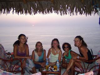 De izquierda a derecha: Lorna, Pati, Marietta, Gisella y Mónica