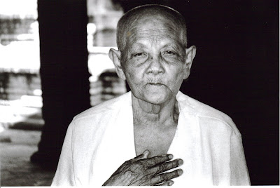 Monja Budista. Templo Bayon. Camboya