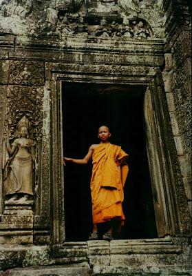 Monje Budista. Templo Bayon. Camboya