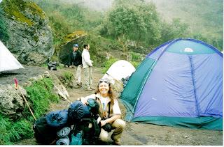 En el campamento. Segundo día, 6am