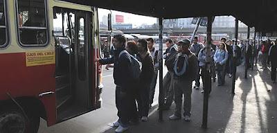 Greve de trem atrapalha o trânsito em Buenos Aires