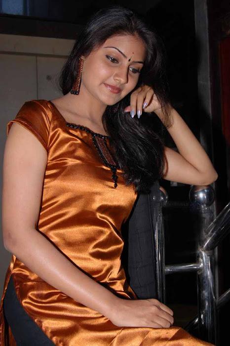 aval peyar thamizharasi nandagi latest photos