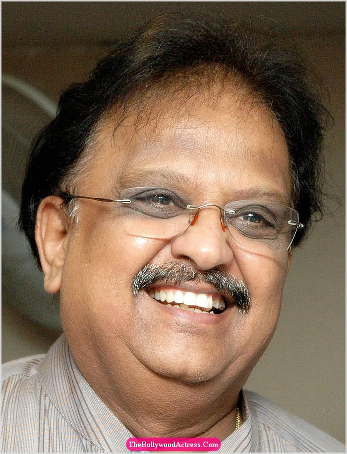 S P Balasubramaniam Wife http://tcln.blogspot.com/2010/09/sp-balasubramaniam-sings-for-harris.html