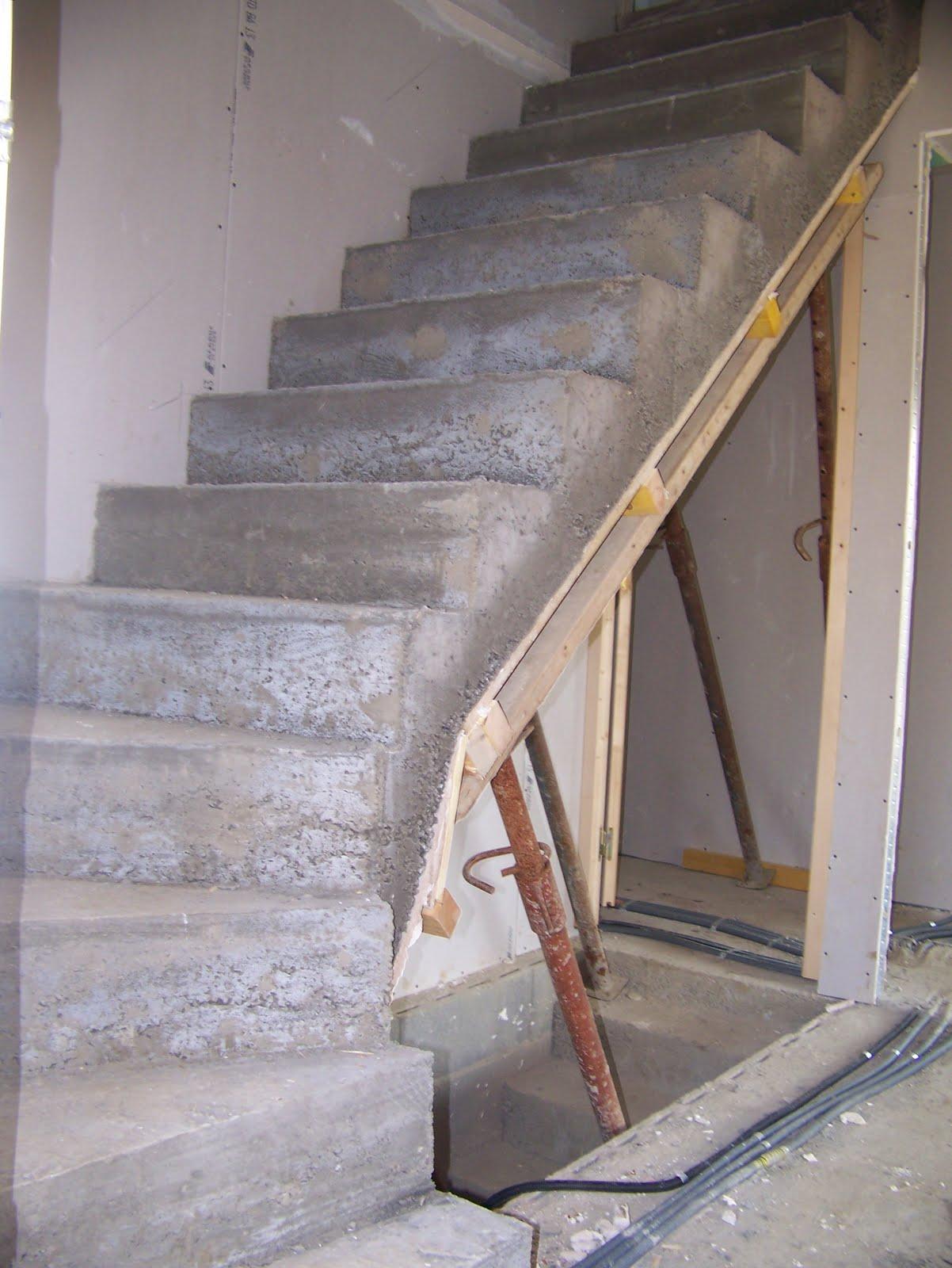 la belle maison escalier de l 39 tage. Black Bedroom Furniture Sets. Home Design Ideas