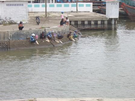 Memancing Ikan Hampala