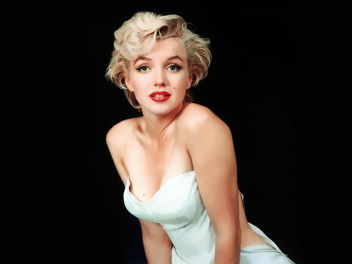 http://1.bp.blogspot.com/_5SMlnCFhaTA/THVlCCjR5mI/AAAAAAAAPG8/eghhnCeOtmY/s1600/Monroe_04_1961.jpg