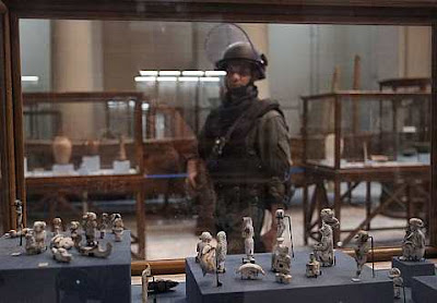 Dr Zahi Hawass egyptian Special Forces Stand Guard On The Main Floor Of The Egyptian Museum In Cairo Egypt