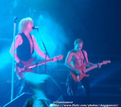 Rick Savage and Phil Collen - Def Leppard - 2008
