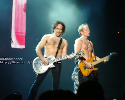 Vivian Campbell and Phil Collen - Def Leppard - 2008