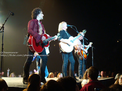 Vivian Campbell, (Rick Savage,) Joe Elliott, & Phil Collen - Def Leppard - 2008