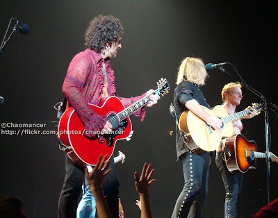 Vivian Campbell, Joe Elliott, and Phil Collen - Def Leppard - 2008