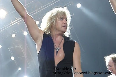 Rick Savage (and Phil Collen) - Def Leppard - 2008