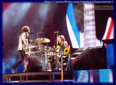 Vivian Campbell and Rick Allen - Def Leppard - 2009