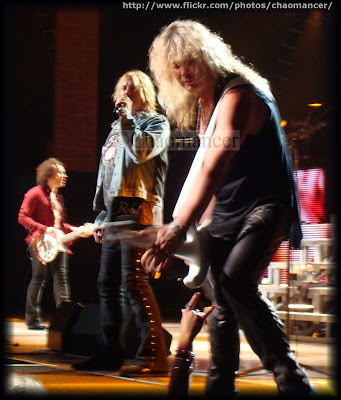 Vivian Campbell, Joe Elliott, and Rick Savage - 2009 - Def Leppard