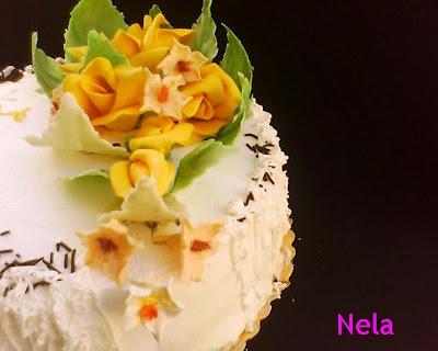 Articole culinare : Tort cu crema de vanilie si afine