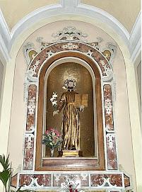 Altare dedicato a san Gaetano Thiene, patrono di Lizzano.