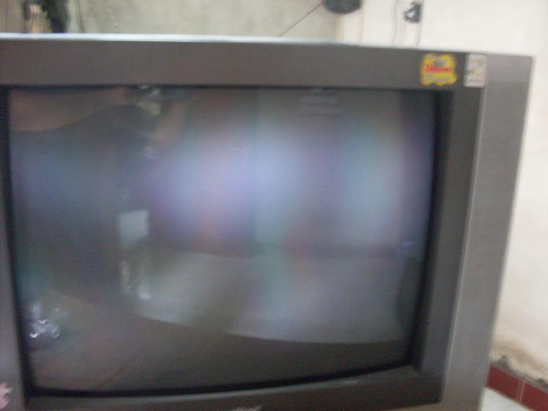 TV gelap,gambar tidak focus