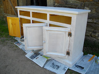 Le blog de marie line nouveau look pour un buffet de for Peindre meuble stratifie