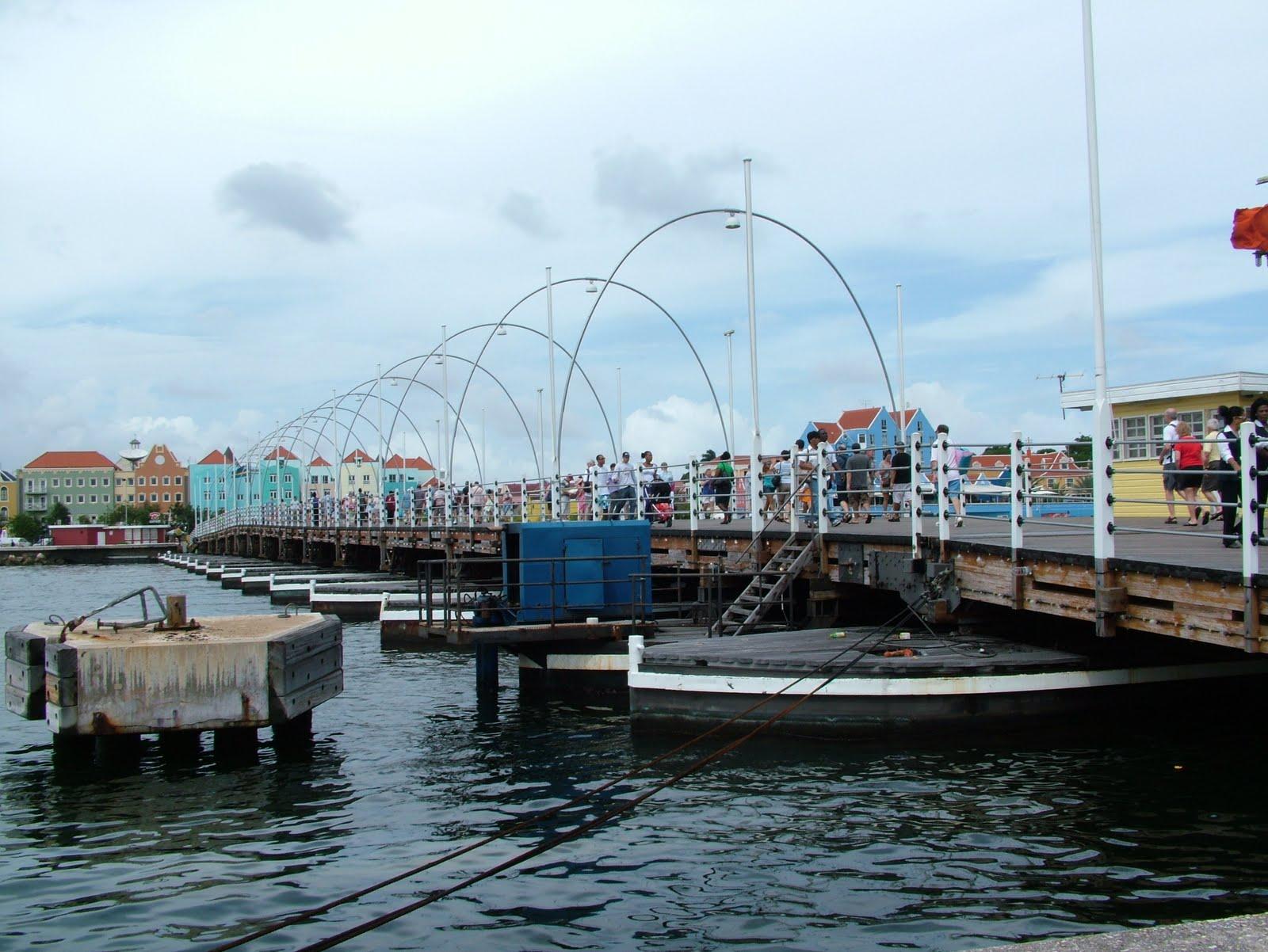 http://1.bp.blogspot.com/_5ZO_j9ozWwo/TPp83QjbQWI/AAAAAAAAALQ/kTxoqYaL6IY/s1600/Curacao%2B04.JPG