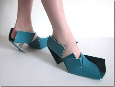 [6.+Sapatos+de+Cartão.jpg]