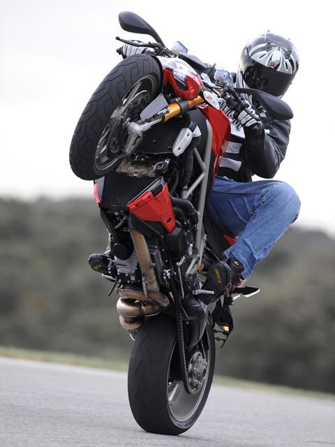 Ducati Streetfighter Pictures